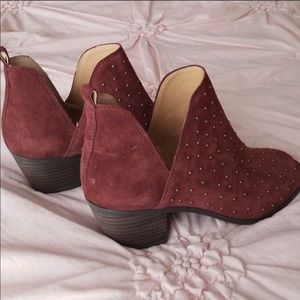Studded suede maroon lucky booties